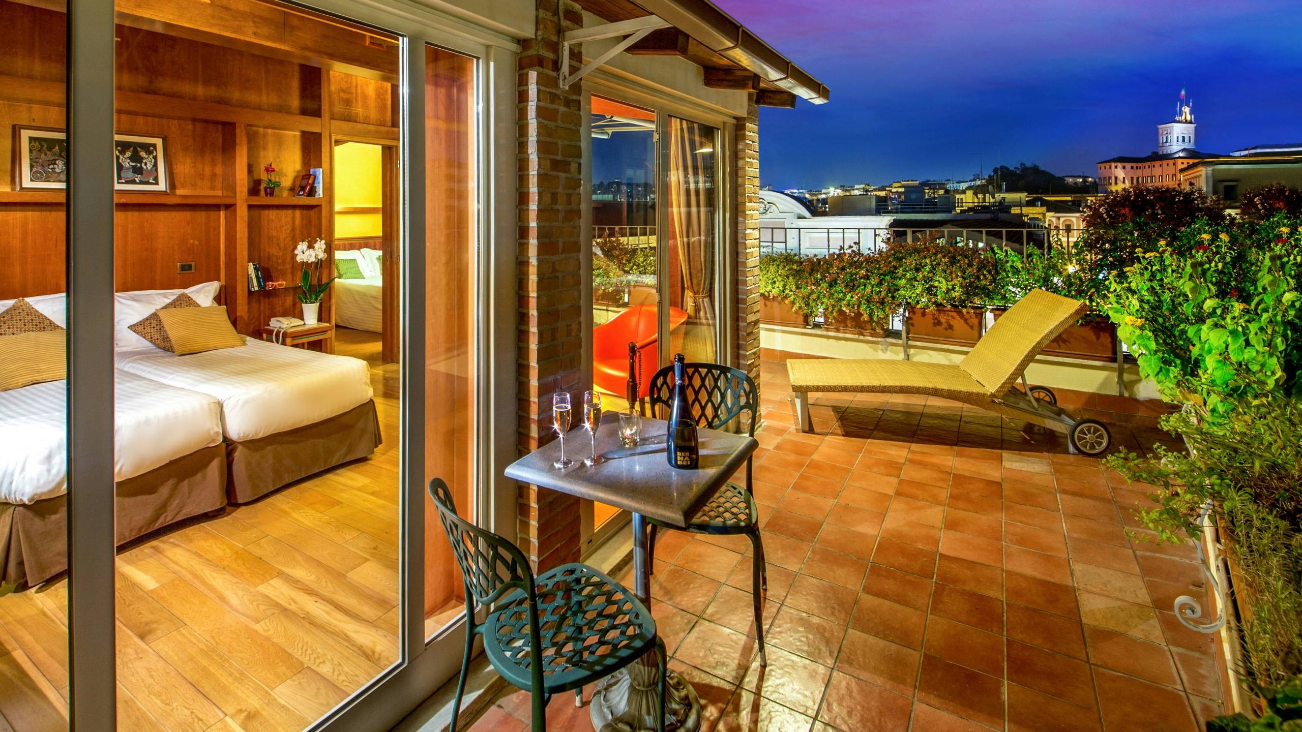 photo-balcony-hotel-regno-rome-7